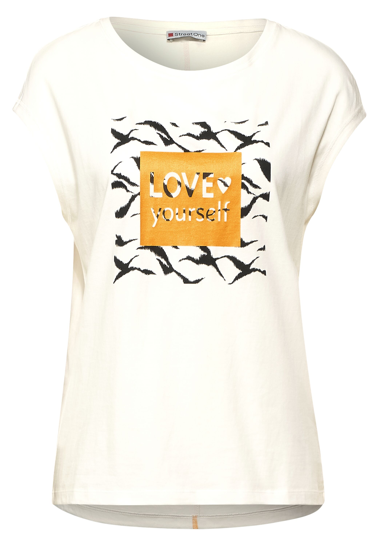 box wording shirt